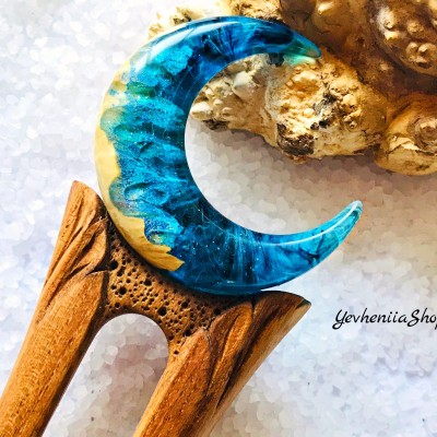 Wooden hair fork with Blue Crescent