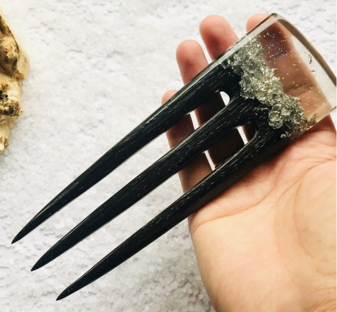 Hair fork with oak wood, transparent resin and silver foil